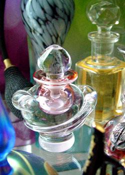 El hilo del Perfume 06-12-pinkcrystal