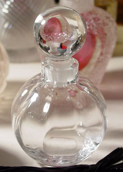 El hilo del Perfume 07-01-lenoxball