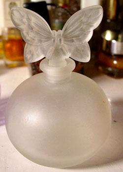El hilo del Perfume 07-1-8-frostbutterfly