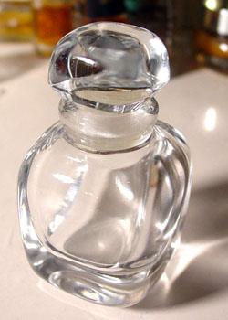 El hilo del Perfume 07-1-8-givenchy