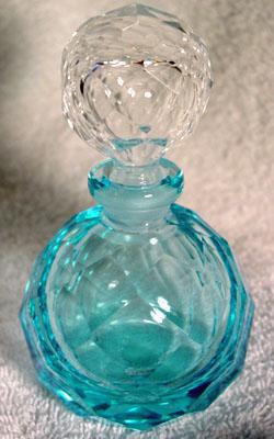 El hilo del Perfume B-bluefacet