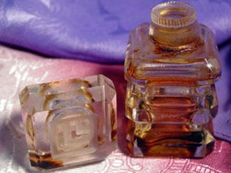 El hilo del Perfume L-LLmonimageSm