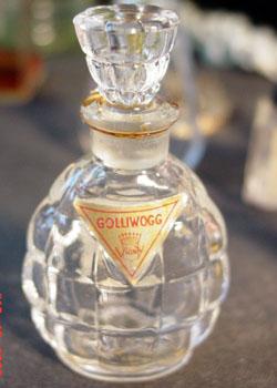 El hilo del Perfume M-gollywog